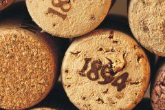 FTN V 2877 cikkszámú tapéta.Fa hatású-fa mintás,feliratos-számos,konyha-fürdőszobai,különleges motívumos,barna,bézs-drapp,vlies poszter, fotótapéta