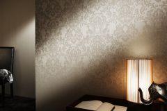 2905-19 cikkszámú tapéta.Barokk-klasszikus,csillámos,valódi textil,bézs-drapp,vajszínű,gyengén mosható,vlies tapéta