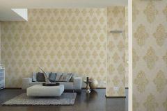 35110-5 cikkszámú tapéta.Barokk-klasszikus,különleges felületű,metál-fényes,arany,bézs-drapp,súrolható,vlies tapéta