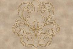 96983-1 cikkszámú tapéta.Barokk-klasszikus,különleges felületű,különleges motívumos,metál-fényes,arany,barna,bézs-drapp,súrolható,illesztés mentes,vlies tapéta