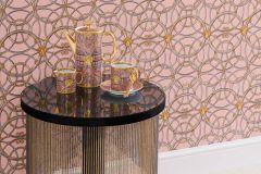37049-6 cikkszámú tapéta.Barokk-klasszikus,geometriai mintás,különleges felületű,arany,ezüst,pink-rózsaszín,súrolható,vlies tapéta