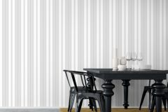 6876 cikkszámú tapéta.Csíkos,különleges felületű,ezüst,fehér,szürke,lemosható,illesztés mentes,vlies tapéta