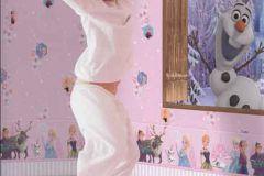 FR3003-2 cikkszámú tapéta.Emberek-sztárok,gyerek,rajzolt,fehér,kék,lila,narancs-terrakotta,pink-rózsaszín,sárga,gyengén mosható,papír tapéta