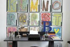 p131102-4 cikkszámú tapéta.Feliratos-számos,geometriai mintás,gyerek,kockás,különleges motívumos,rajzolt,retro,barna,bézs-drapp,fehér,fekete,kék,lila,narancs-terrakotta,pink-rózsaszín,piros-bordó,sárga,zöld,gyengén mosható,vlies poszter, fotótapéta