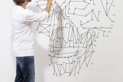 P181001-4 cikkszámú tapéta.Absztrakt,feliratos-számos,rajzolt,fehér,fekete,szürke,gyengén mosható,vlies poszter, fotótapéta