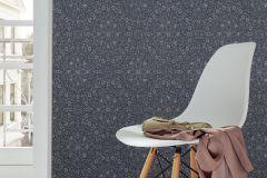 02481-50 cikkszámú tapéta.Különleges felületű,különleges motívumos,virágmintás,ezüst,fekete,kék,szürke,súrolható,vlies tapéta